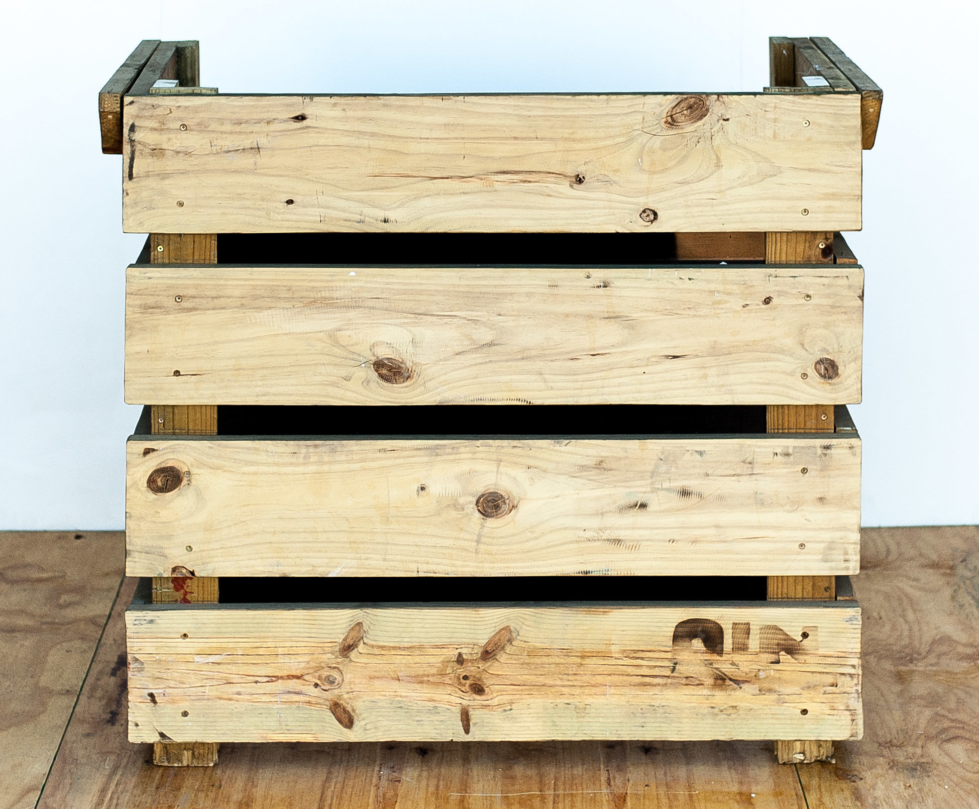 Wooden Dj Booth – In and Out SA